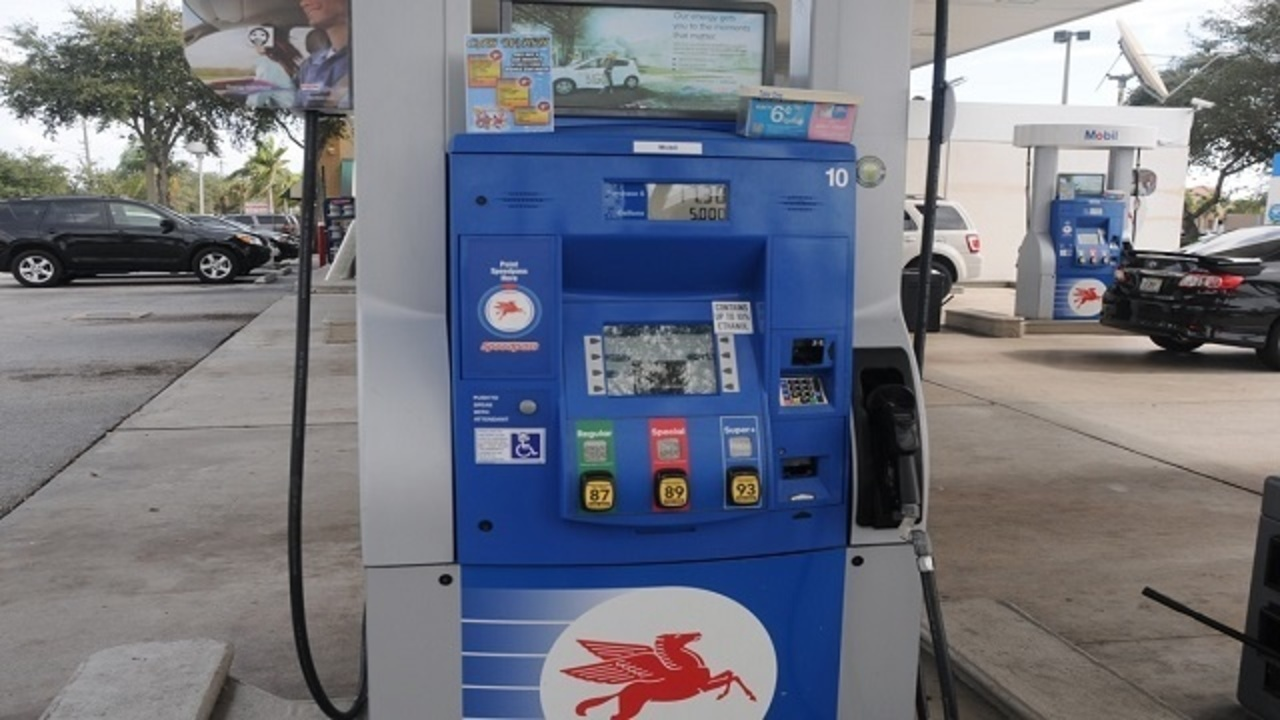 Mobil Gas Card >> Credit card skimmer device found at Boynton Beach gas station