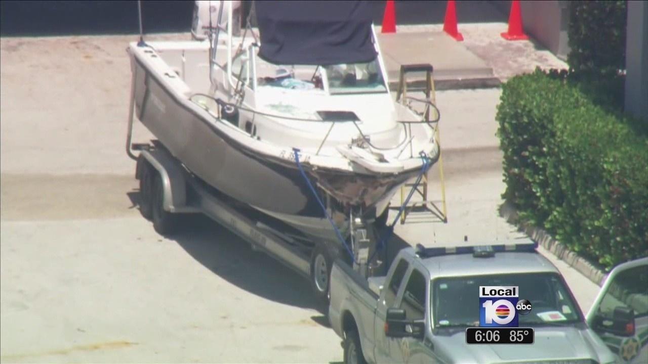 Woman dies in boating crash off Elliot Key