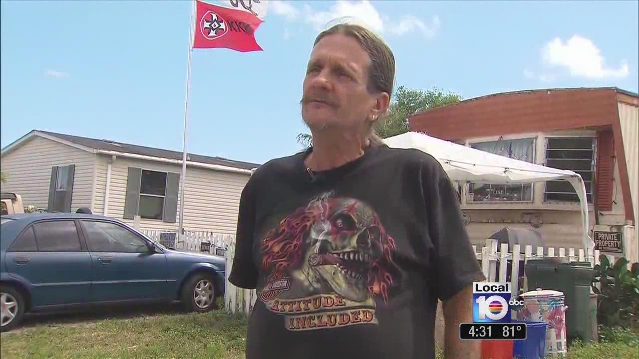 West Boca Raton Man Proudly Flies Kkk Confederate Flags