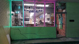 Car hits glass door of Hollywood salon in hit-and-run