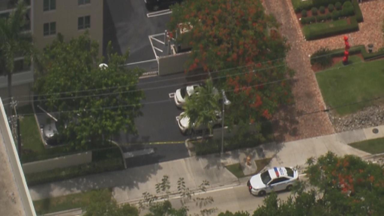 Miami Police Investigate Suspicious Bag On Brickell Avenue