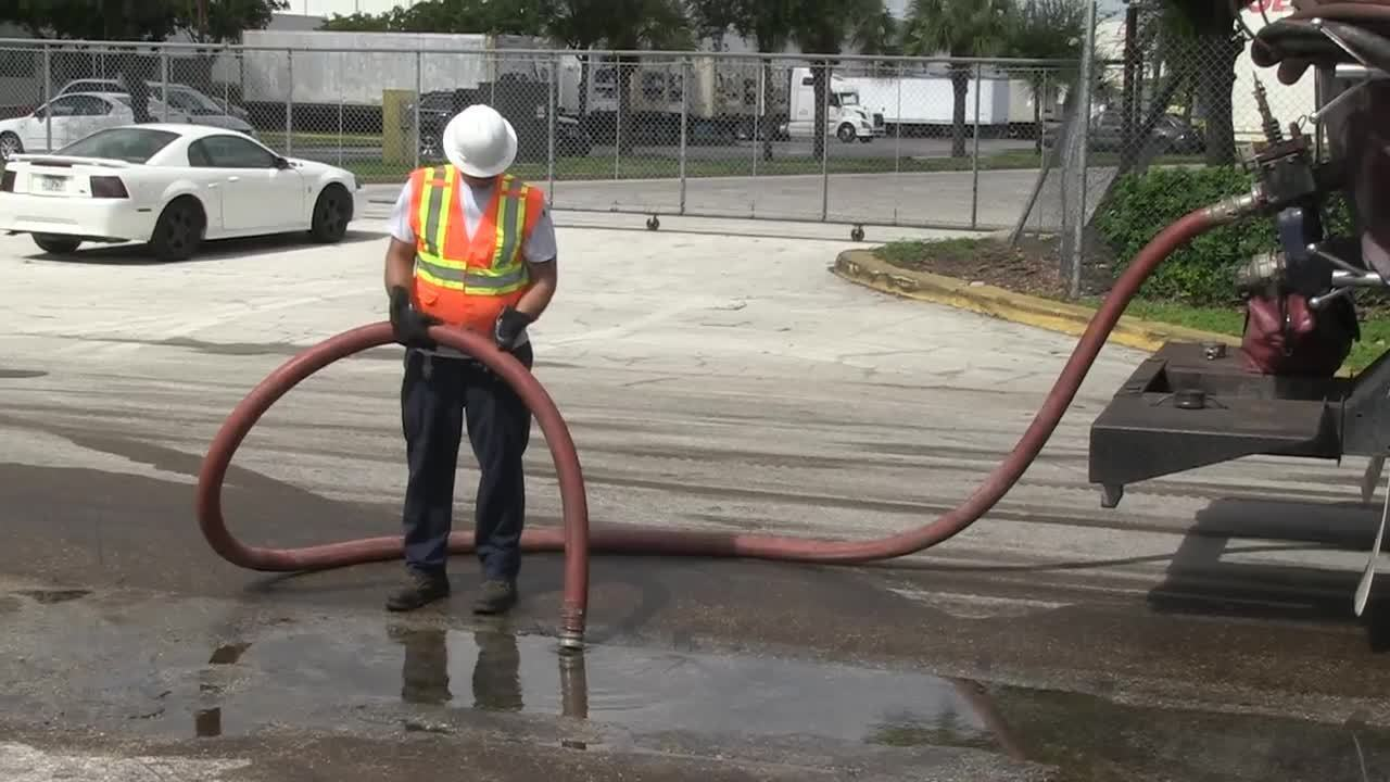 Nearly 1 000 Gallons Of Diesel Fuel Spill Into Pompano