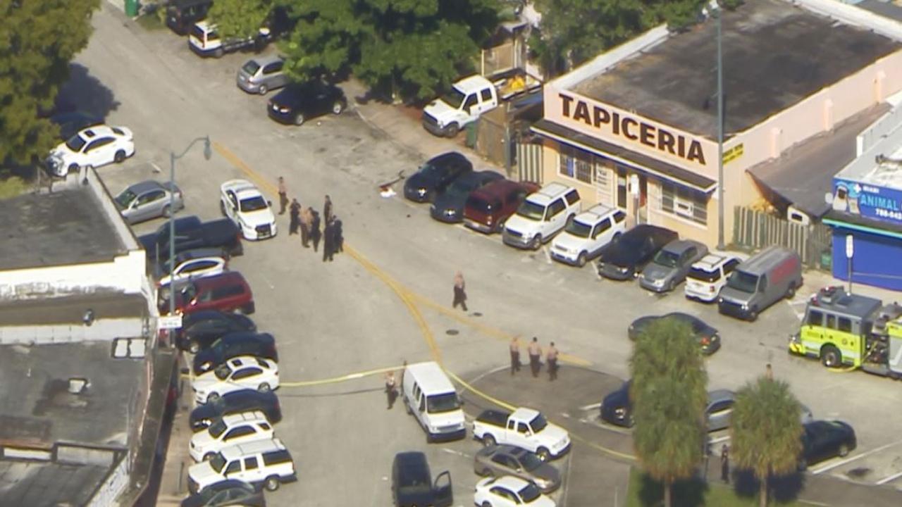 Man Shot Outside Tapiceria In Miami