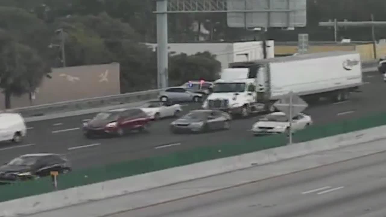 Crash shuts down I-95 for hour in Sunrise