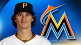 AP sources: Locke, Marlins agree to $3,025,000, 1-year deal