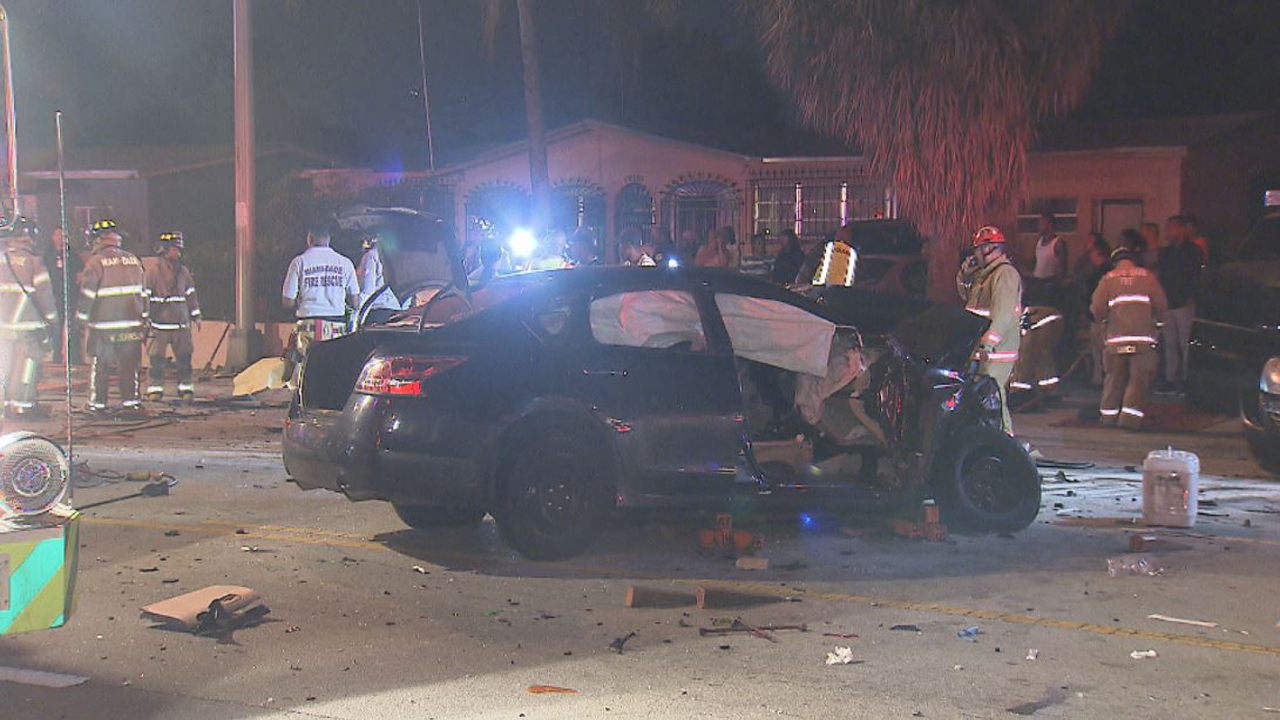 1 killed 8 others hurt in 6 vehicle crash in miami gardens