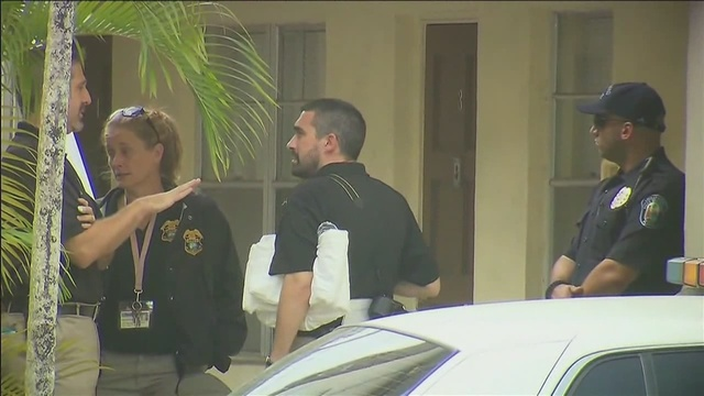 90-year-old woman found dead in Hollywood home