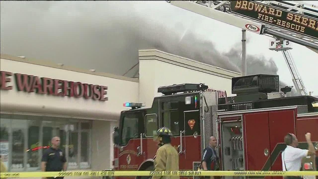 Manhattan beach strip mall fire