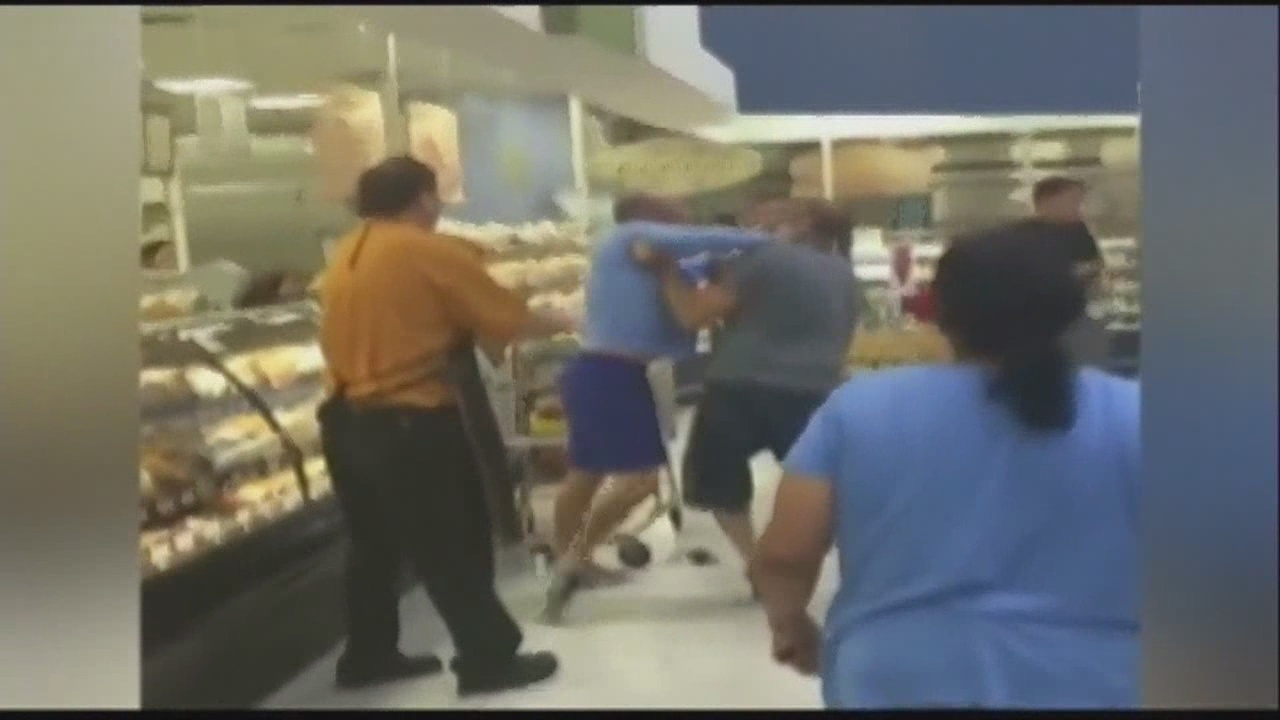 Pregnant Mom At Center Of Florida Publix Fistfight Video -3471