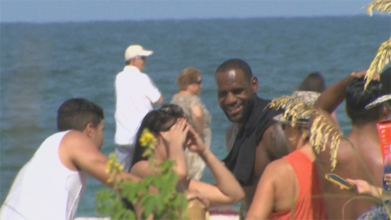 0f5bfbb7a82a Lebron James shoots Nike commercial in South Beach