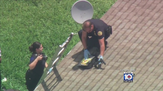 Miami-cop-finds-gun-in-Sponge-Bob-Square-Pants-backpack.jpg_26638598