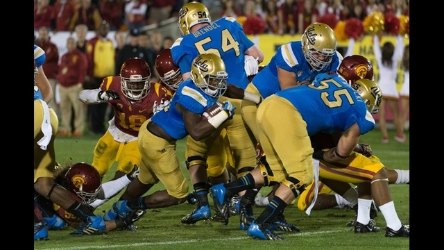 Myles-Jack-runs-through-USC-jpg.jpg_27715840