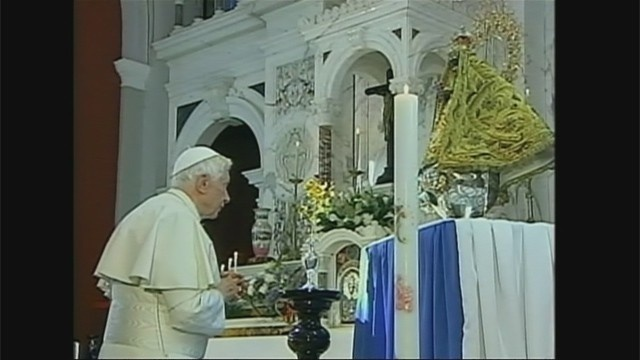 Pope with Our Lady of Charity icon