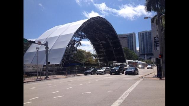 Ultra-Music-Festival-preparations-2-JPG.jpg_25159284