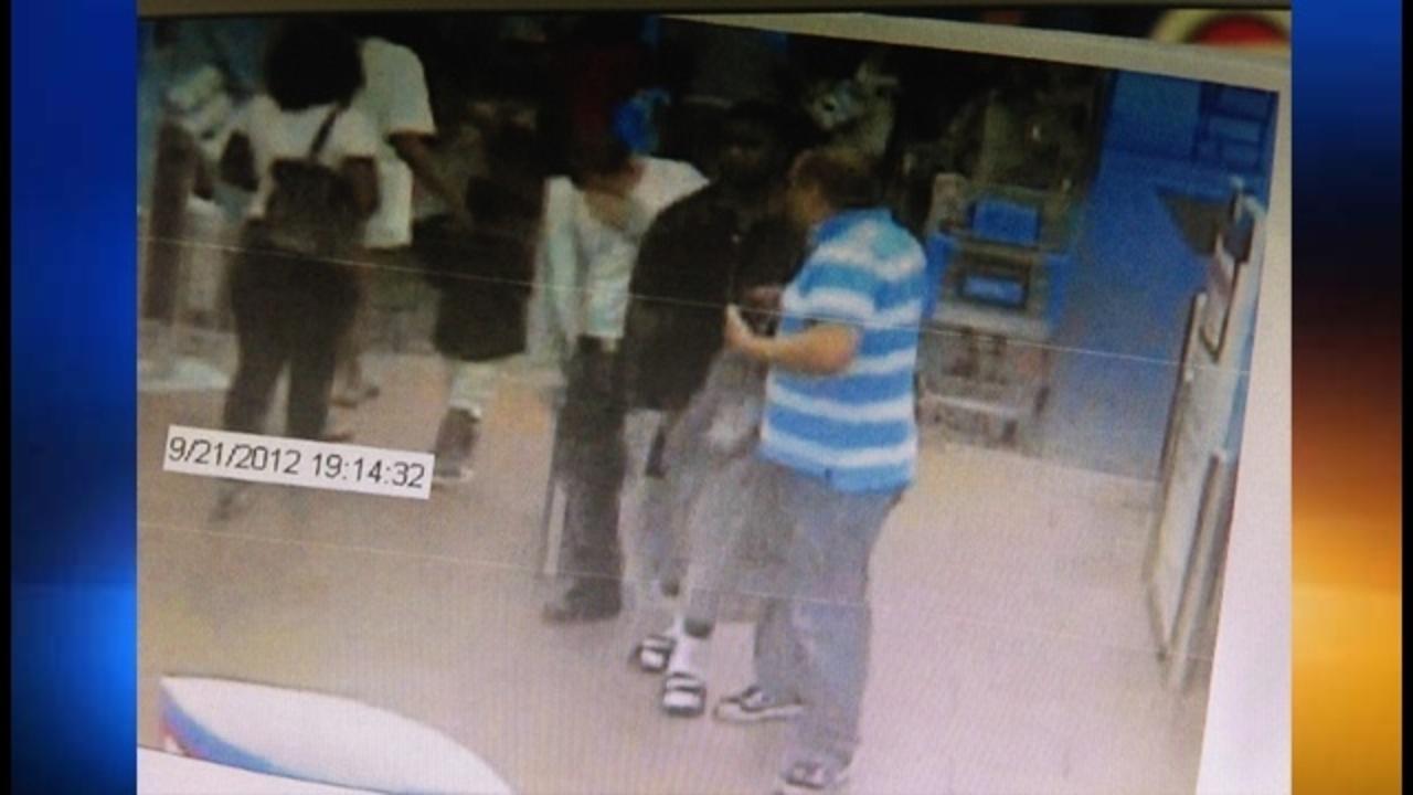 Car Insurance Miami >> Walmart security guard shot by shoplifter