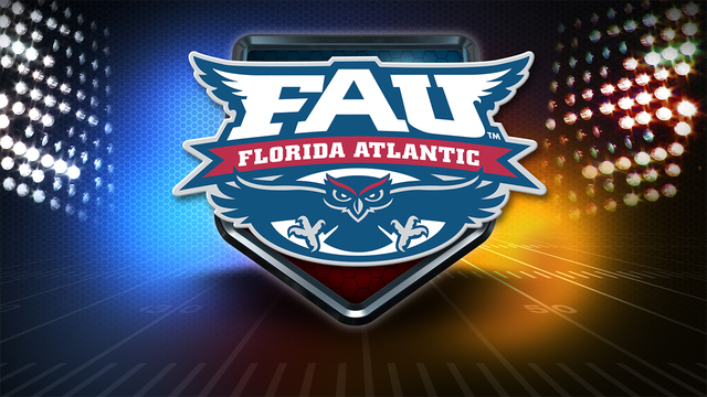 Robinson's 5 TD passes power FAU past Wagner 42-7