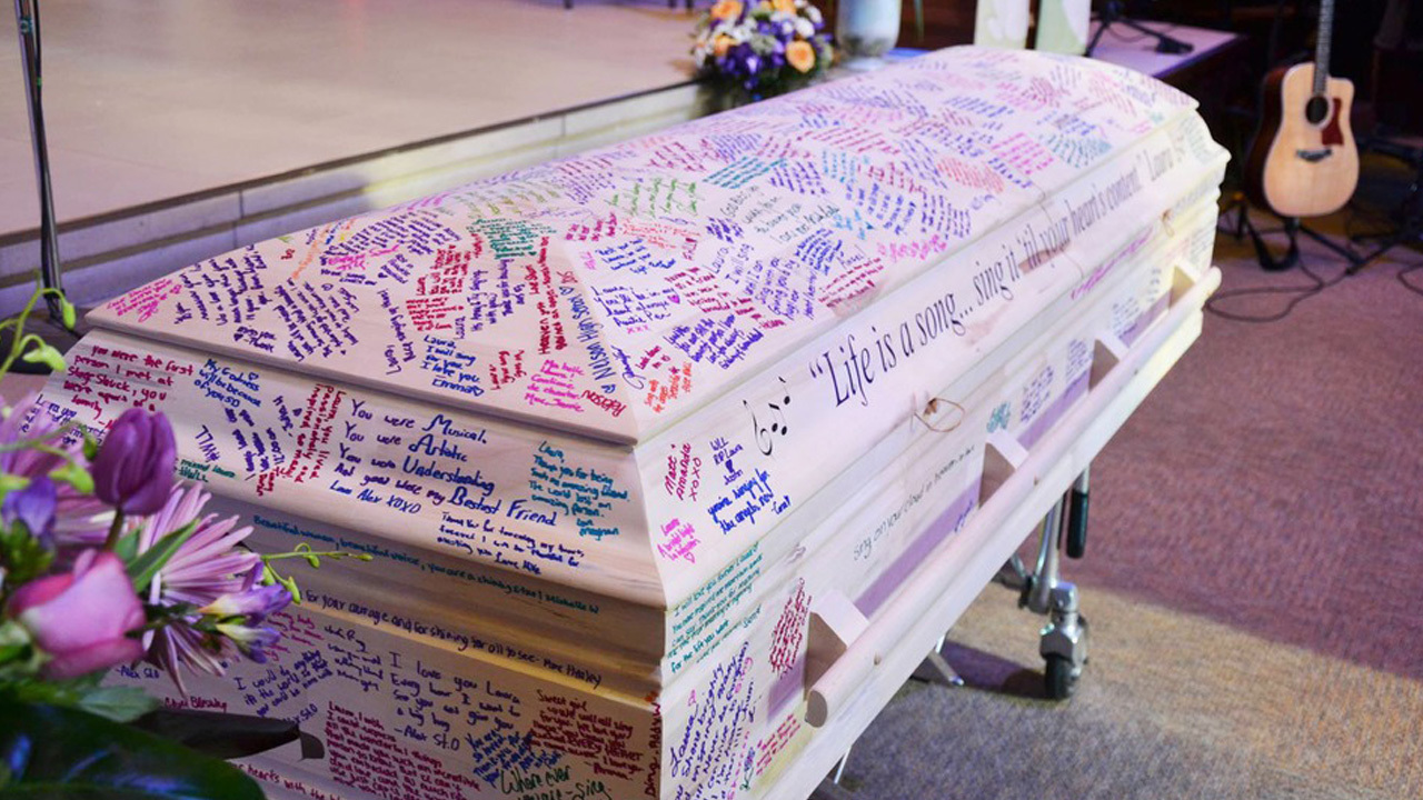 Student S Coffin Used As Yearbook For Touching Tribute