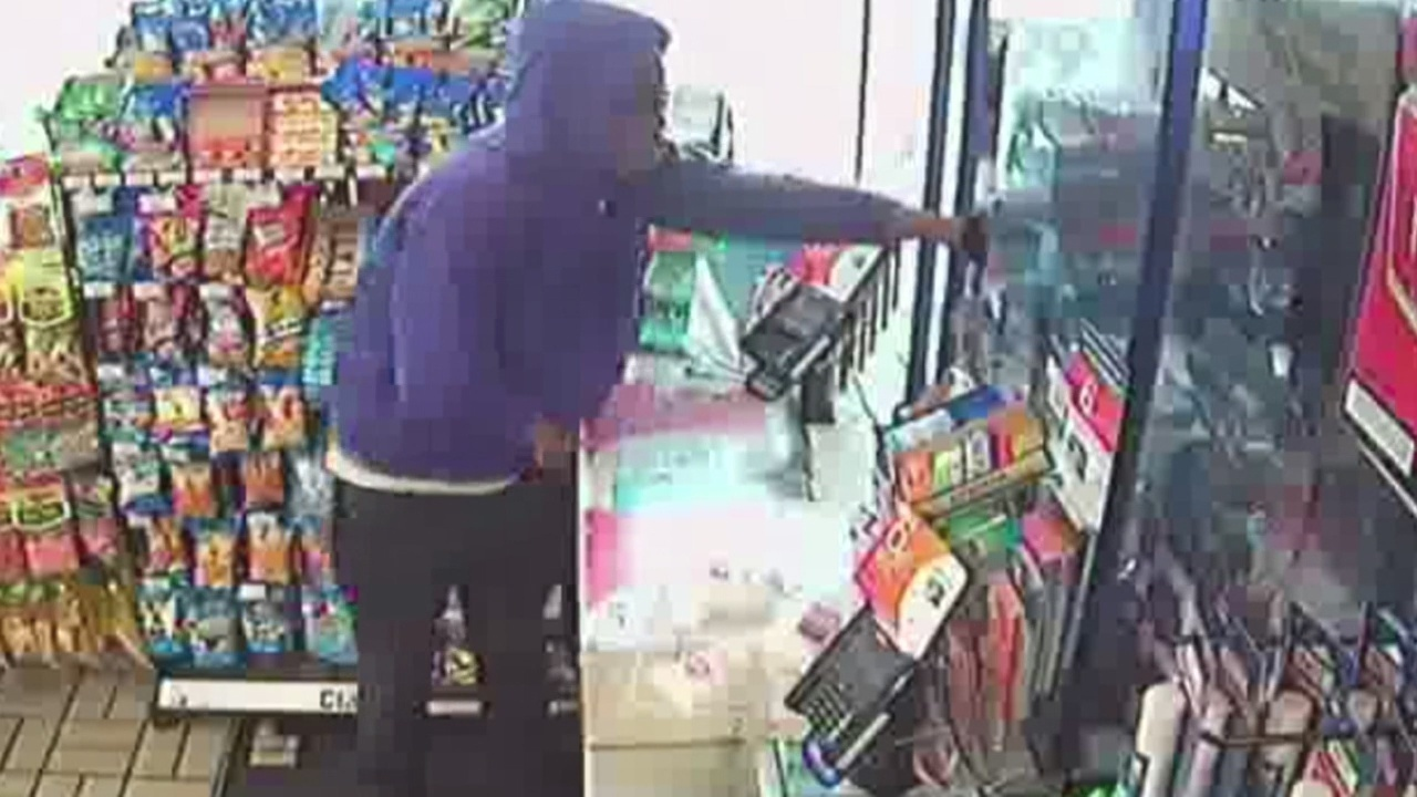 Would Be Robber Leaves Empty Handed After Clerk Escapes