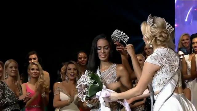 Genesis Davila receives crown