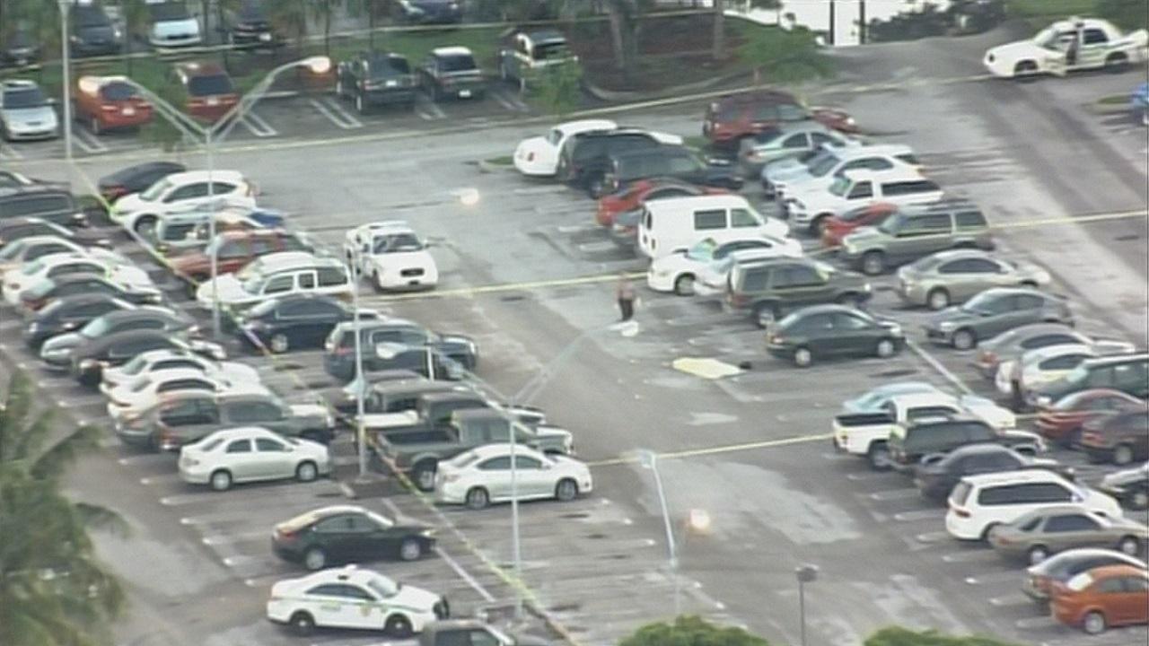 Uber Miami Airport >> 2 shot, killed in Miami International Airport employee ...