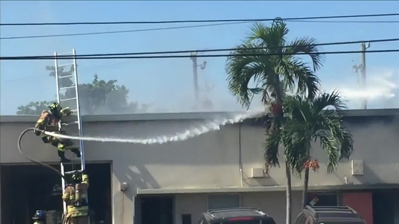 Firefighter falls from ladder while battling Pompano Beach fire