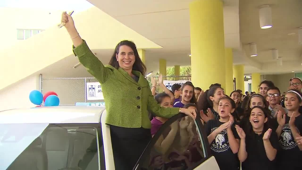 Maritza Jimenez Named Miami Dade School Principal Of The Year