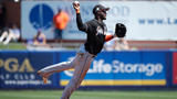 Reports: Marlins to trade Adeiny Hechavarria in days