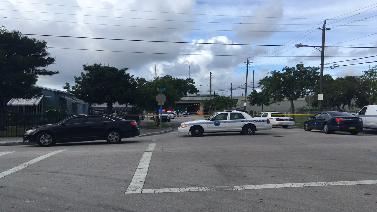 Woman killed in miami shooting - Palm beach gardens mall shooting ...