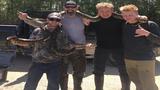 Celebrity chef Gordon Ramsay helps kill 3 pythons, then cooks them