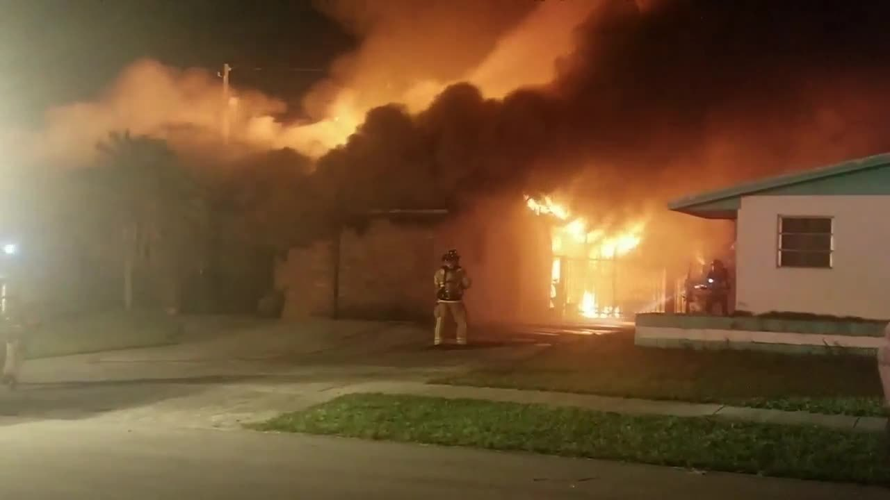 Family displaced after overnight fire at Miami-Dade home