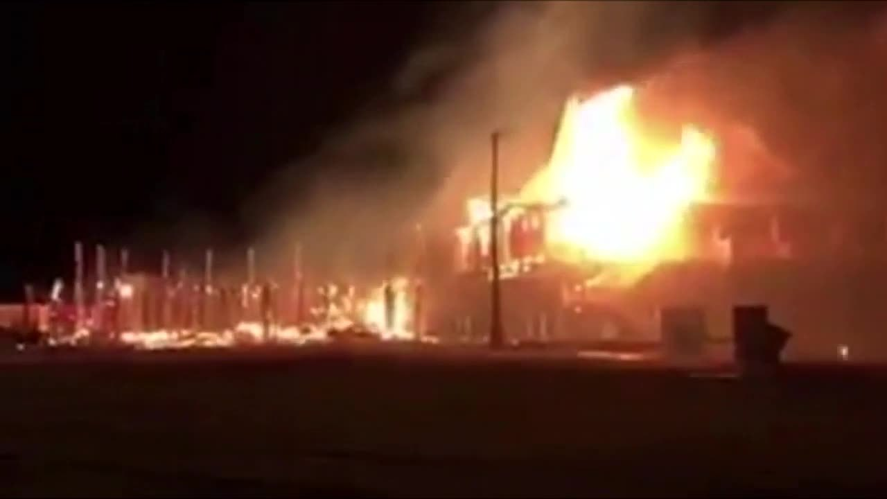 Hurricane Harvey S Winds Cause Fire To Spread