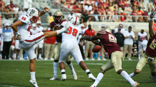 Florida State Seminoles defensive end Brian Burns blocks punt vs NC State