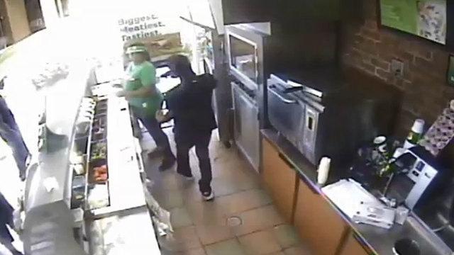 subway-robbery_1507151289328.jpg