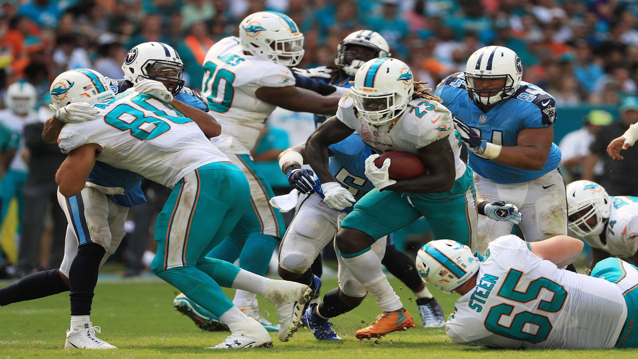 Dolphins Beat Titans Despite Lackluster Offensive Performance