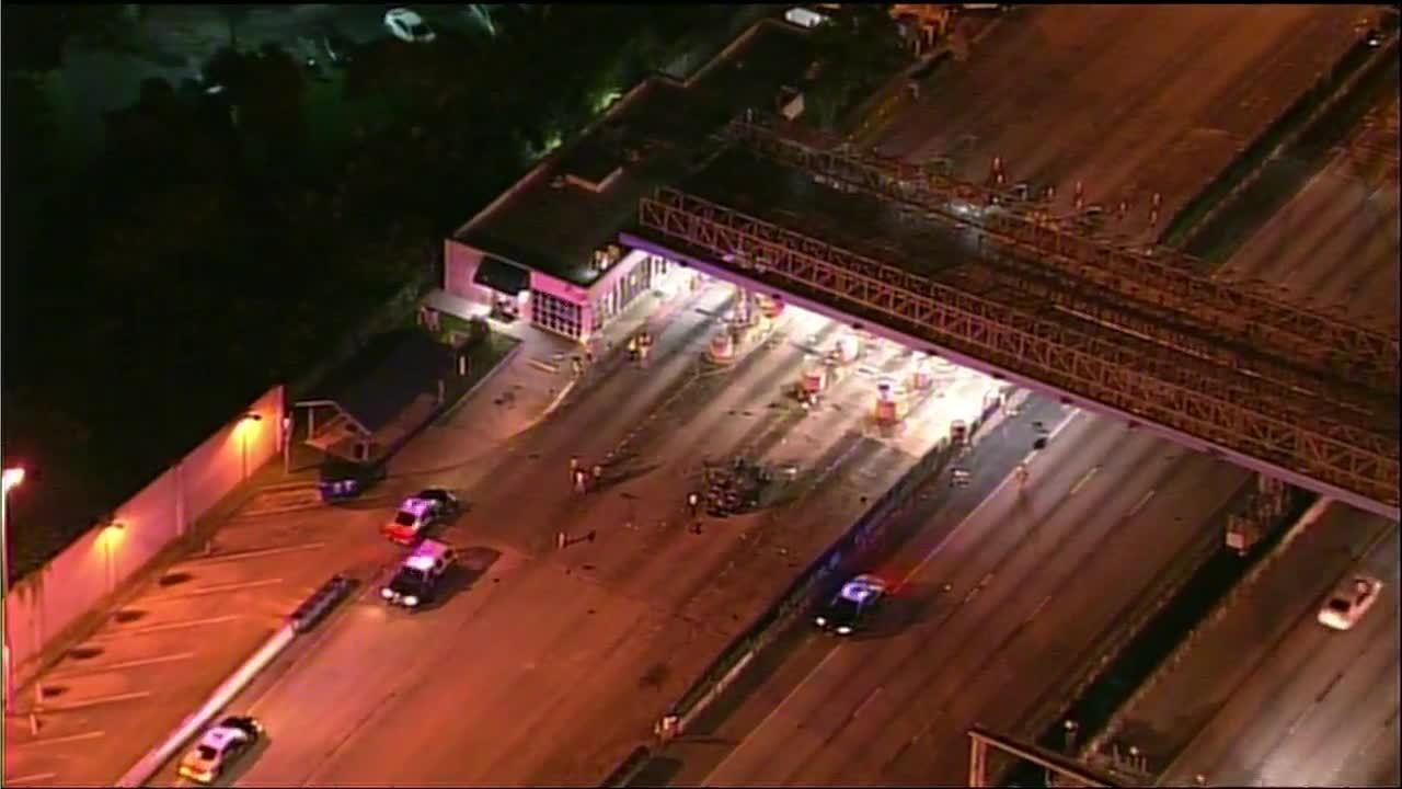 Toll plaza crash on Florida's Turnpike closes northbound