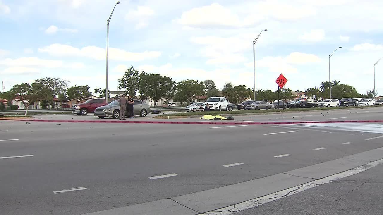 1 person dead in motorcycle crash
