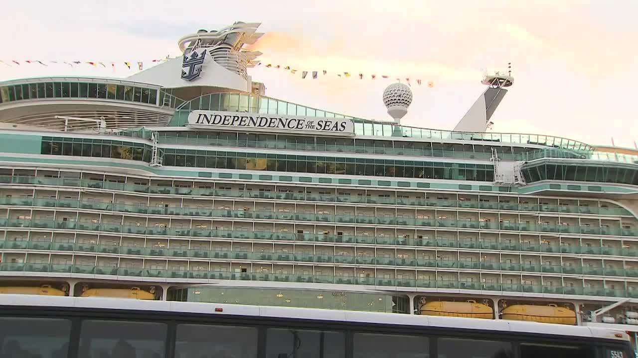Royal Caribbean Cruise Ship Returns To Florida After More Than - Cruise ship independence