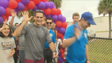 Hundreds come out to raise funds for Marfan syndrome