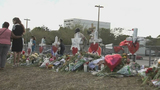 Memorials for Parkland victims draw growing crowds
