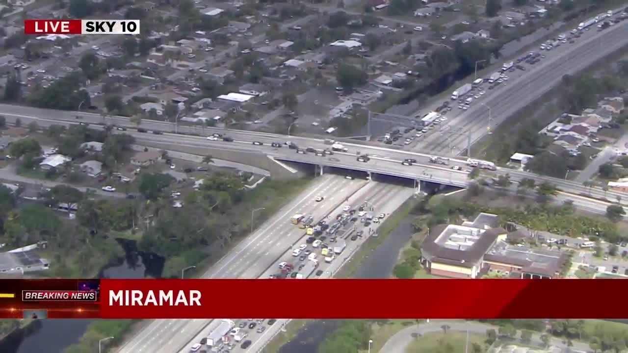 Police Reopen Florida's Turnpike In Miramar After Man