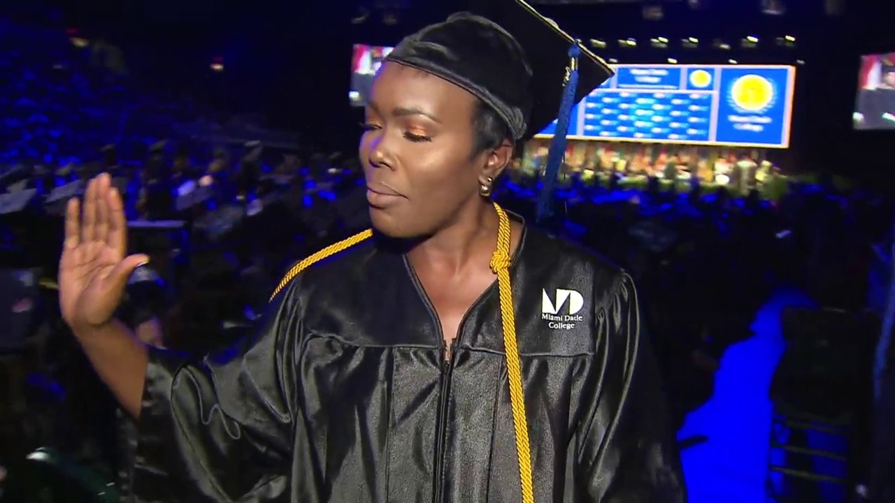 03e7fc86828 Mom gets degree after teen son killed while in college