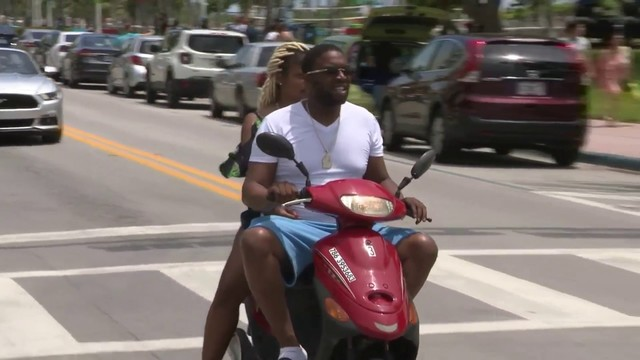 Video Thumbnail For Miami Beach Commissioners Rove Ban On Scooters Mopeds During Spring Break