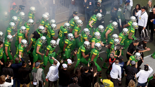 10 great college football uniforms
