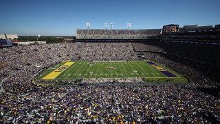 10 great college football stadiums