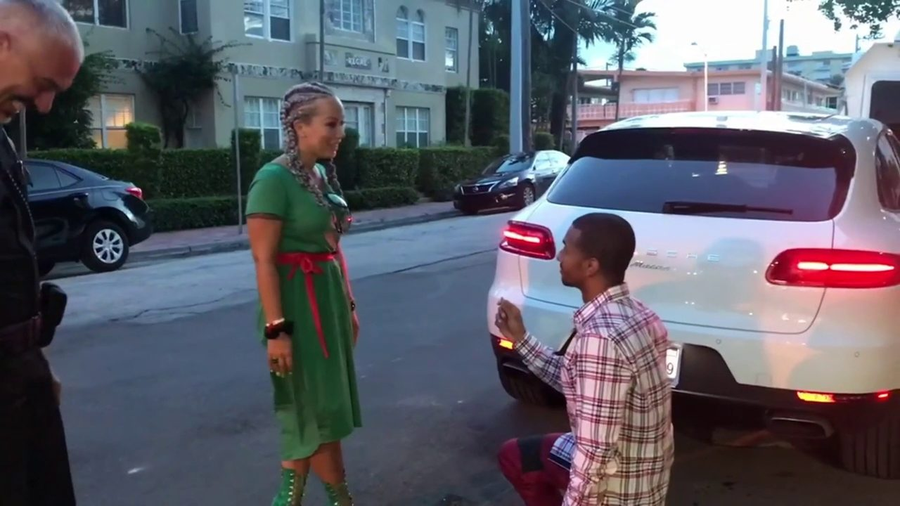 Lyft In Miami >> A traffic stop, and a proposal: She said yes in Miami Beach