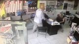 Armed man robs sightseeing tour agency in Miami Beach