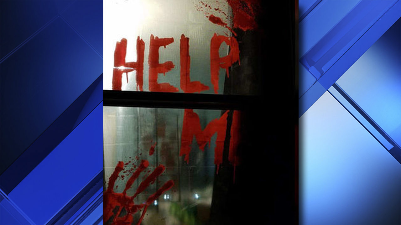 Boo A Halloween Display So Scary That Neighbor Calls 911