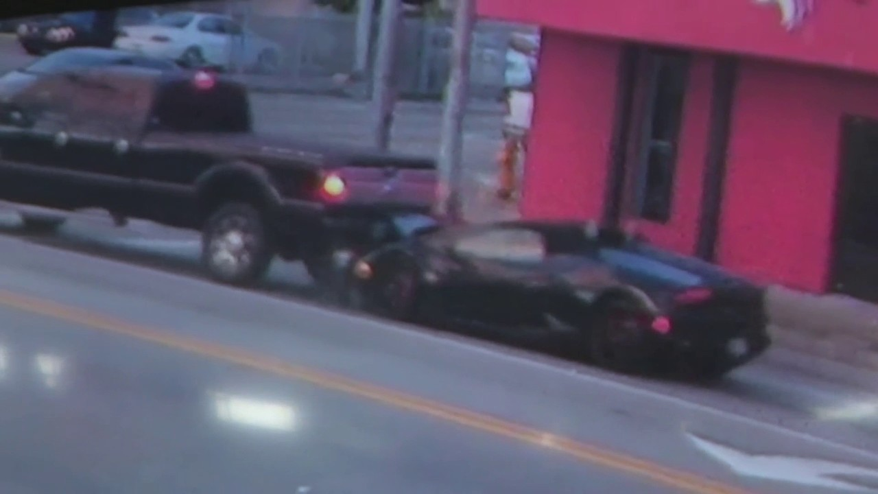 Driver Ditches Lamborghini After Rear Ending Truck In Miami