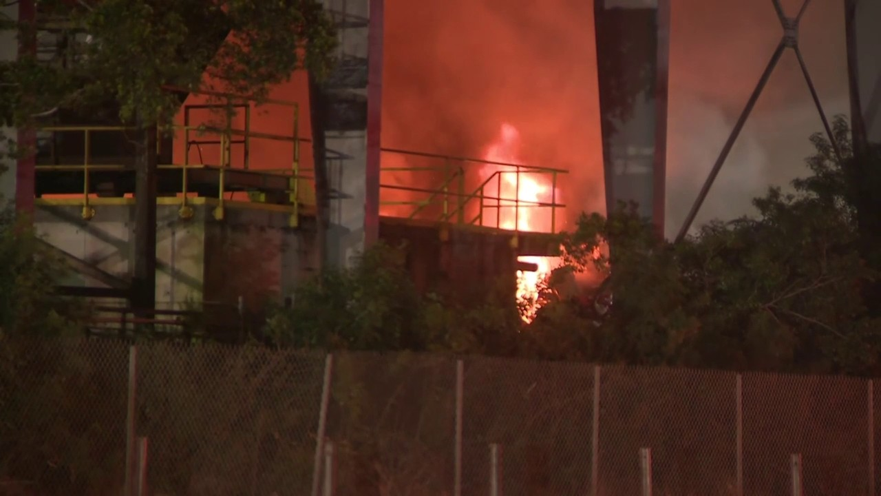 Massive fire burns at Miami-Dade metal recycling plant