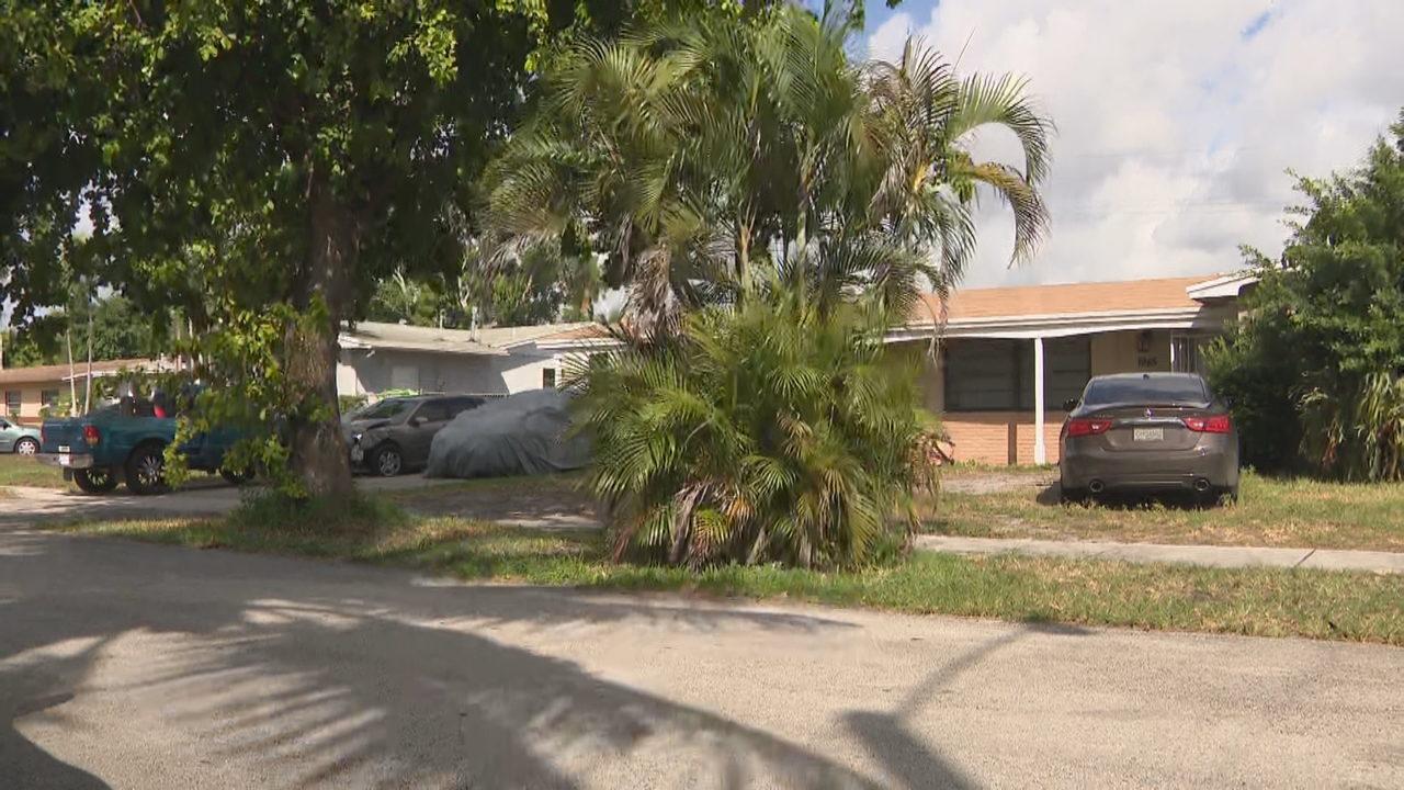 16-year-old shot in leg in Miami Gardens, police say